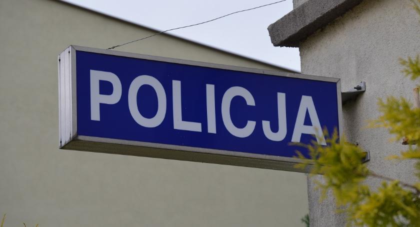 POLICJA, Uwaga! Oszust podaje policjanta - zdjęcie, fotografia