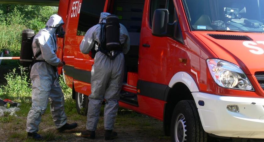 STRAŻ POŻARNA, Niebezpieczna substancja przesyłce kurierskiej - zdjęcie, fotografia