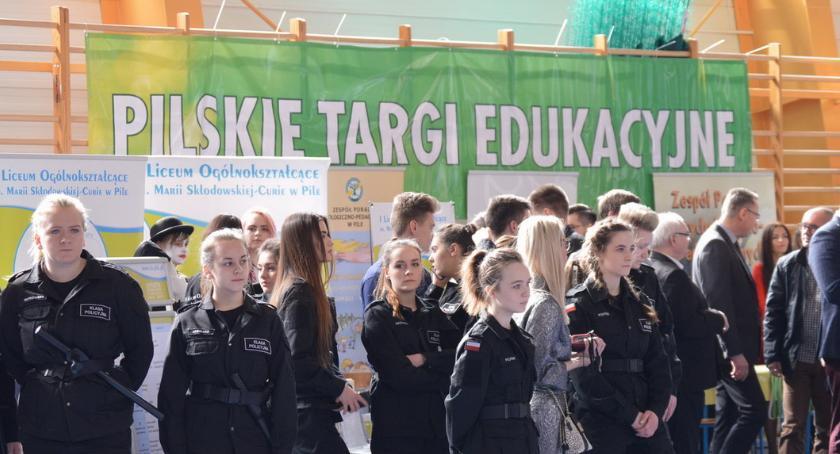 NAUKA I EDUKACJA, Podpowiedzi oferta szkół sobotę Pilskie Targi Edukacyjne - zdjęcie, fotografia