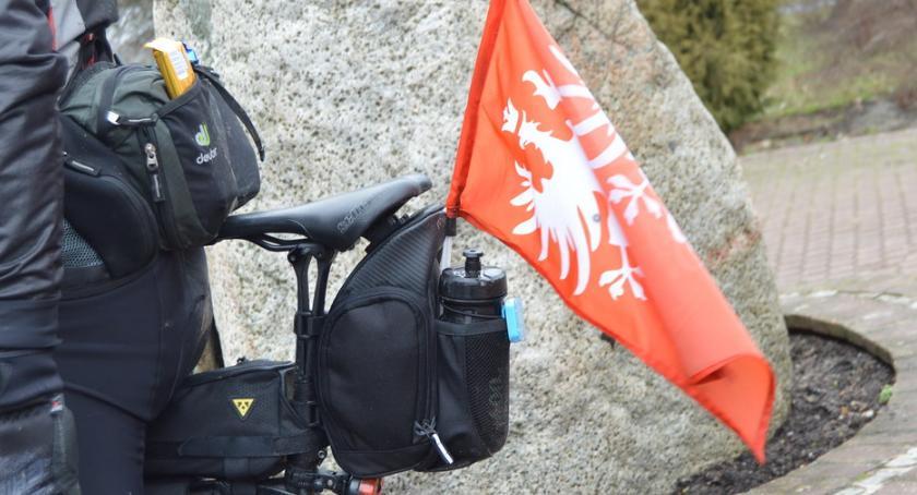 PIŁA, rowerach szlakiem Powstania Uczestnicy patriotycznej wyprawy odwiedzili Piłę - zdjęcie, fotografia