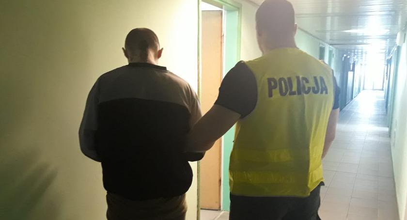 PROKURATURA I SĄD, Dotykał podając lekarza Areszt zatrzymanego szkole mężczyzny - zdjęcie, fotografia