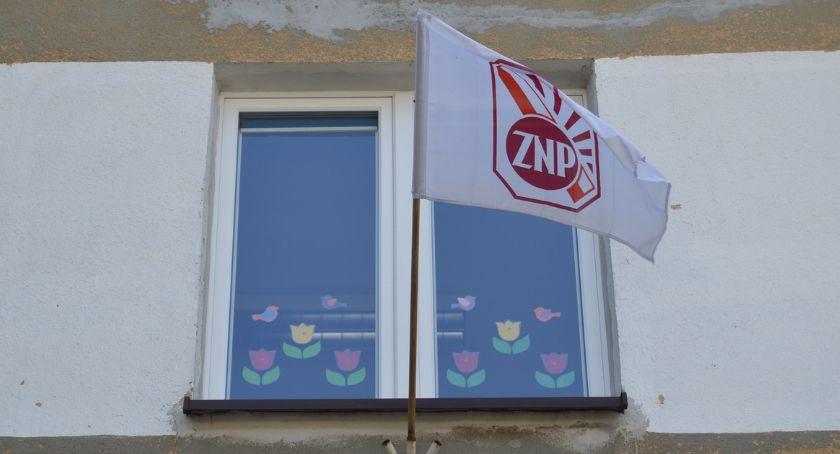 STRAJK SZKOLNY 2019, Szkoły przedszkola oflagowane strajk [ZDJĘCIA] - zdjęcie, fotografia