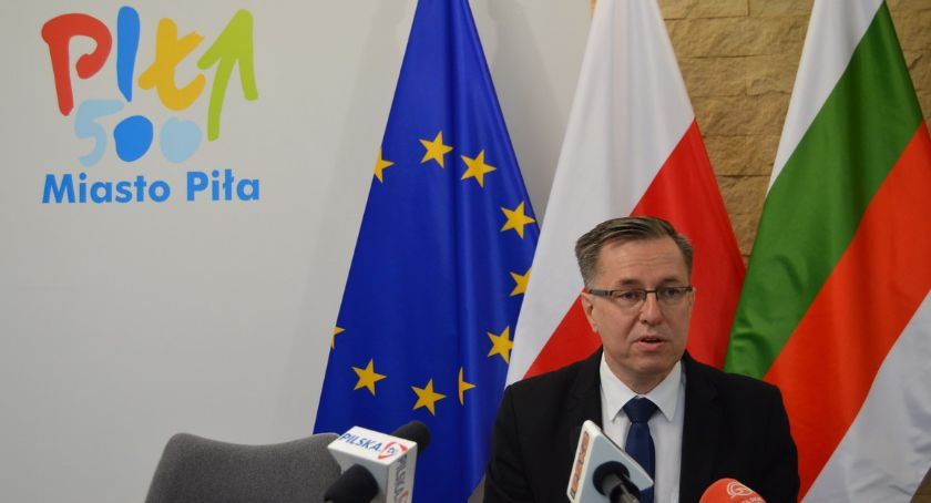 """STRAJK SZKOLNY 2019, Piotr Głowski strajkujących """"Postawa przyjęcia"""" - zdjęcie, fotografia"""