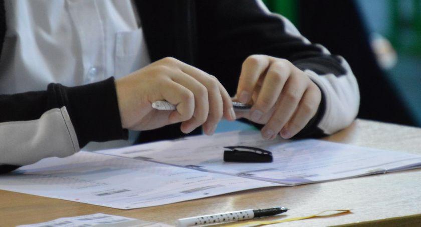 STRAJK SZKOLNY 2019, Egzaminy ósmoklasisty odbędą zgodnie planem - zdjęcie, fotografia