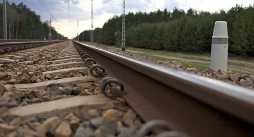 KOMUNIKACJA, Awaria kolei Opóźnienia trasie Piła Poznań - zdjęcie, fotografia