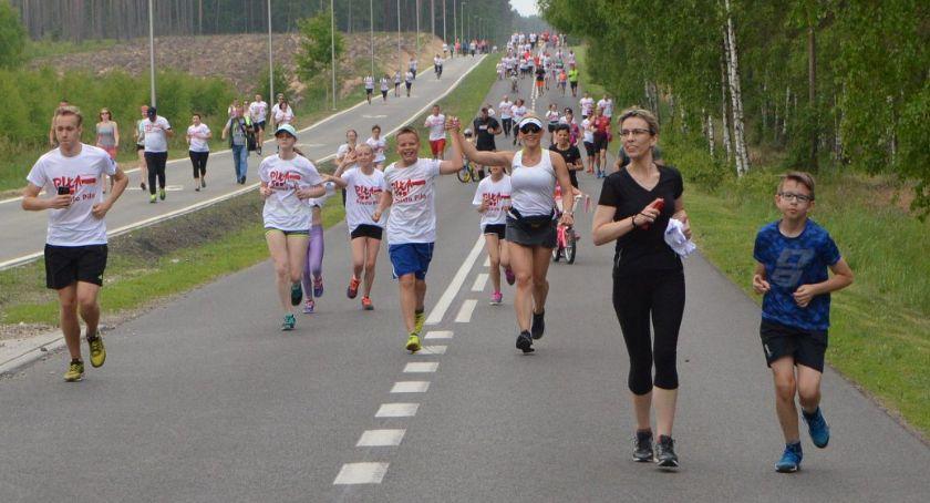 BIEGI, Wiosny parkrun sobotę kolejne okazje biegania - zdjęcie, fotografia
