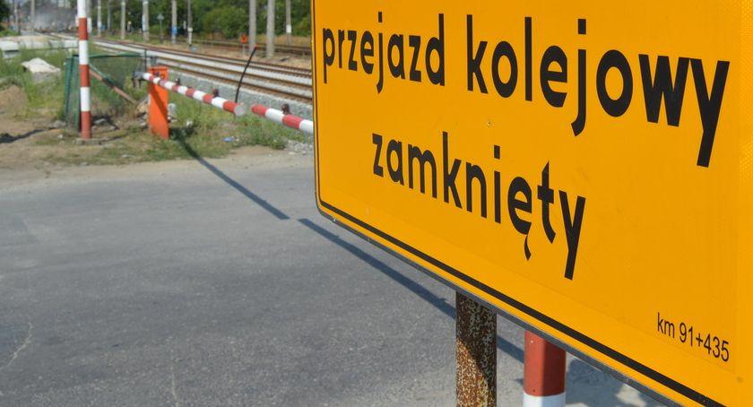 KOMUNIKACJA, Remont przejeździe Utrudnienia kierowców pasażerów - zdjęcie, fotografia