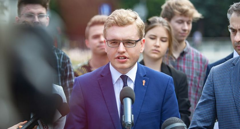 WYBORY PARLAMENTARNE 2019, Działacz Wiosny liderem sejmowej listy Lewicy okręgu pilskim - zdjęcie, fotografia