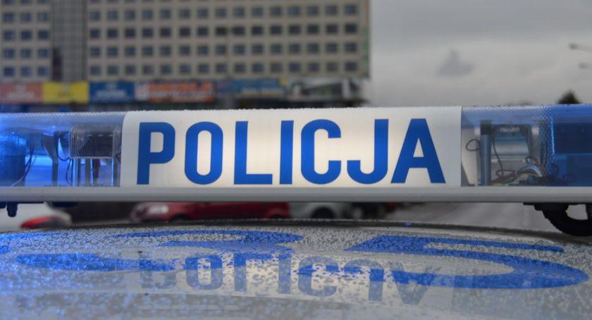 POLICJA, latek groził nożem ochroniarzowi - zdjęcie, fotografia