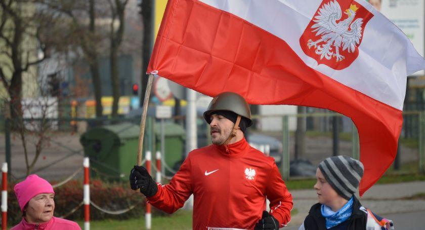 BIEGI, flagą wąsami Biegi Święto Niepodległości - zdjęcie, fotografia