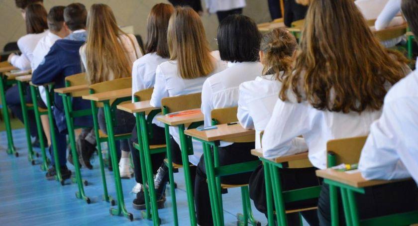 PIŁA, Cięcia oświacie zmieni szkołach przedszkolach - zdjęcie, fotografia