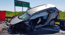 Wypadek w Kosztowie. Jedna osoba nie żyje [ZDJĘCIA]
