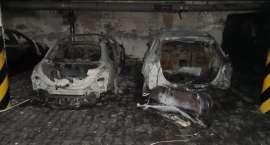 Pożar w garażu podziemnym. Ewakuowano 120 osób [ZDJĘCIA]