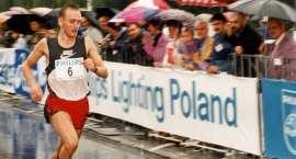 Leszek Bebło na medalu 27. Półmaratonu Philipsa