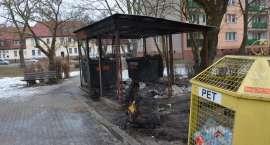 43-latek podpalał śmietniki. Stanie przed Sądem