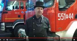 """""""Prawdziwy facet czyści komin regularnie"""". Kampania strażaków i kominiarzy [VIDEO]"""