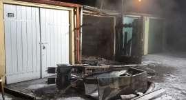 Spłonął garaż przy ul. Kaczorskiej. Nie żyją dwie osoby