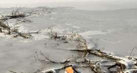Załamał się lód na jeziorze. Zginął 14-latek