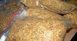 Nielegalny tytoń i alkohol w altanie