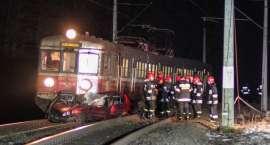 23-latka wjechała autem wprost pod nadjeżdżający pociąg