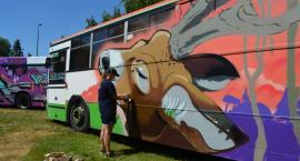 Graffiti na autobusach. Zakończył się Pilski Festiwal Sztuki Ulicznej [VIDEO]