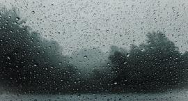 IMGW ostrzega przed burzami. Będzie też chłodniej