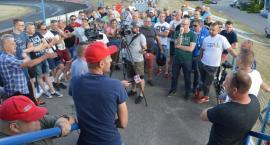Trudne rozmowy o pilskim żużlu. Zarząd Polonii spotkał się z kibicami [VIDEO]