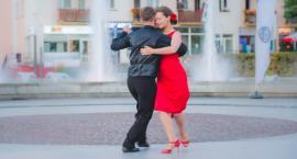 Tango w centrum Piły. Wkrótce kolejne lekcje [ZDJĘCIA]