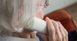 Oszuści czyhają na seniorów. Policja przyjmuje zgłoszenia o próbach wyłudzenia pieniędzy