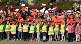 Pilskie przedszkolaki utworzyły żywą flagę [ZDJĘCIA]