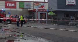 Pożar przy Kauflandzie w Pile. Jedna osoba trafiła do szpitala