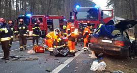 Wypadek na DK11. Nie żyje 22-letni mężczyzna