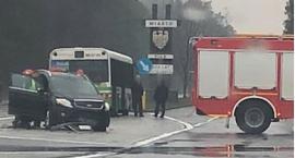 Wypadek przy wjeździe do Piły. Osobówka zderzyła się z autobusem