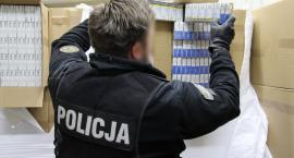 Nielegalna fabryka papierosów. Policja musi wynająć 15 tirów do likwidacji wytwórni [ZDJĘCIA]