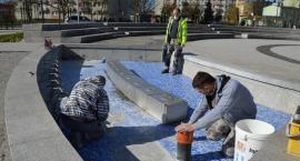 [JEDNO ZDJĘCIE] Prace konserwacyjne przy fontannie