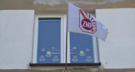 Szkoły i przedszkola w Pile oflagowane na strajk [ZDJĘCIA]
