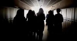 Strajkujący nauczyciele z Piły nagrali hip-hopowy protest song [VIDEO]