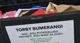 """""""Torby bumerangi"""". Kolejna ekologiczna akcja na targowisku"""