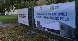 Rusza budowa hali sportowej przy LO przy ulicy Wincentego Pola w Pile