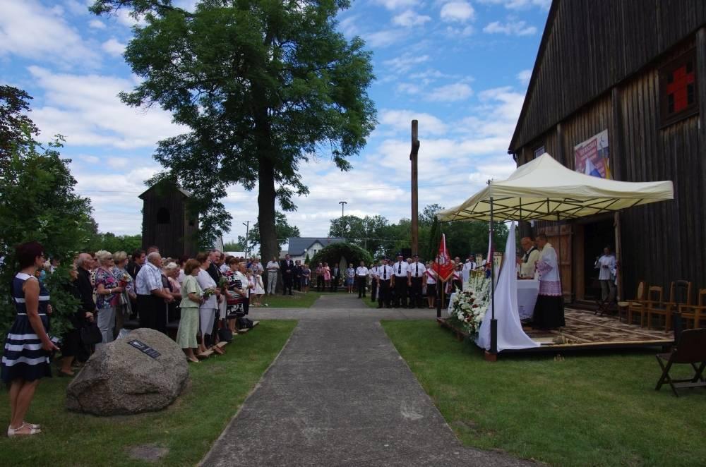 Z życia parafii, Wprowadzenie relikwii Maksymiliana Kolbe parafii Sokołowie Włościańskim - zdjęcie, fotografia