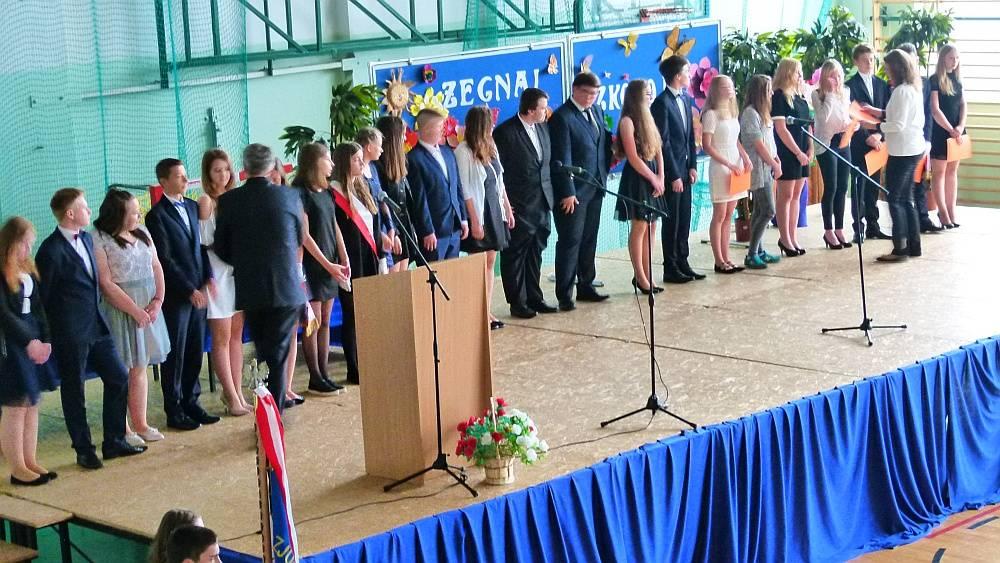 Szkoły gminne, Zakończenie Winnicy - zdjęcie, fotografia