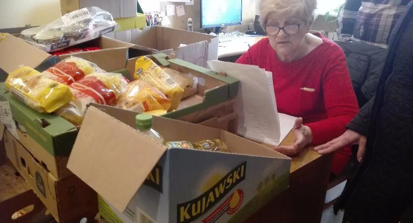 Pomoc społeczna, Zbiórka żywności potrzebujących - zdjęcie, fotografia