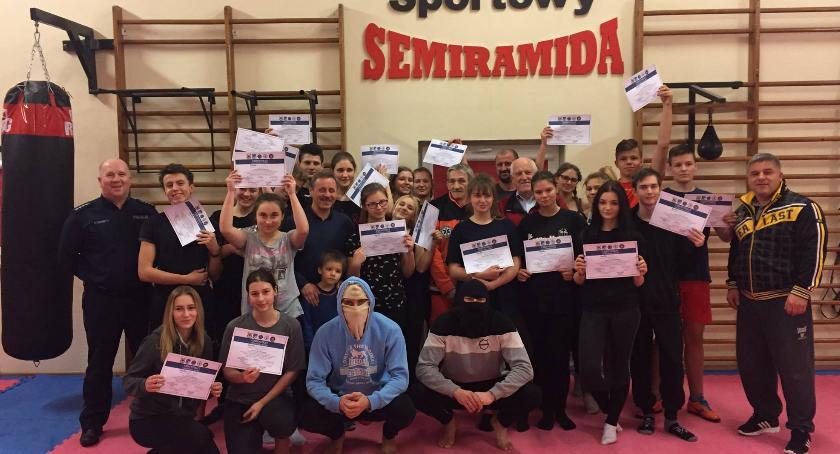 Sporty walki, edycja Kursu Samoobrony zakończona - zdjęcie, fotografia