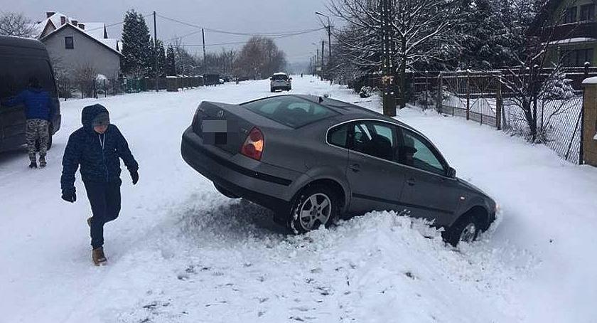 Wypadki drogowe , Kierowcy pamiętajcie zimowych oponach! - zdjęcie, fotografia