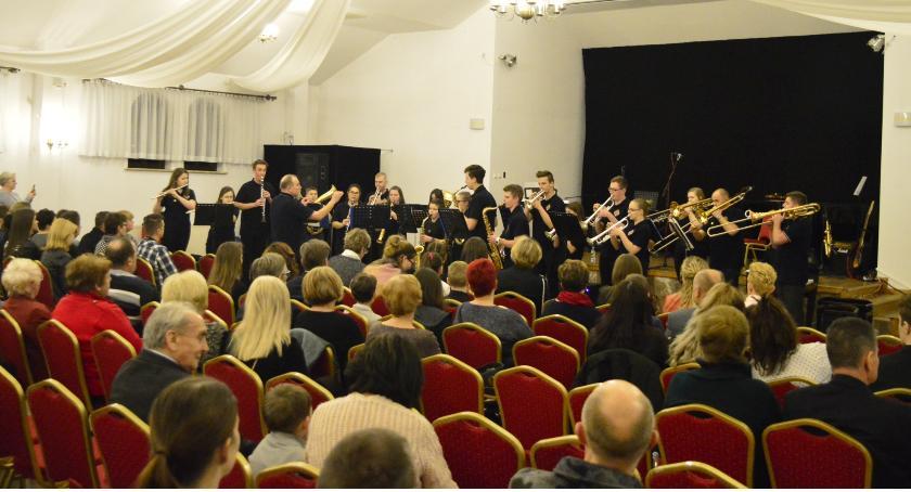 Koncerty, Wielki koncert Oliwierka - zdjęcie, fotografia