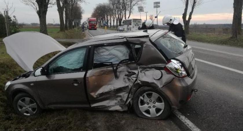 Wypadki drogowe , Jedna osoba poszkodowana wypadku Skoroszach - zdjęcie, fotografia