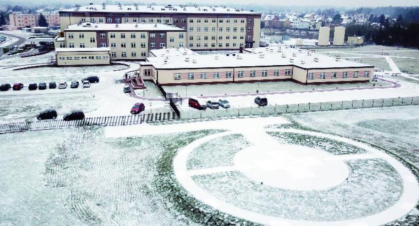 Służba zdrowia, ponad pół lądowisko szpitalu zniknęło tylko utwardzony - zdjęcie, fotografia
