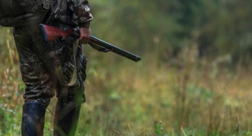 Komunikaty, Uregulowania dotyczące zakazu wykonywania polowania - zdjęcie, fotografia
