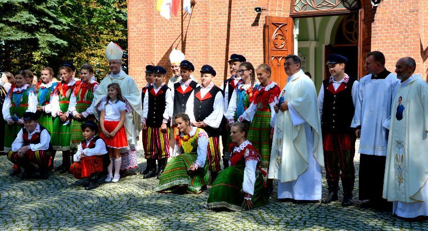 """Wydarzenia, Zespół """"Gloria"""" zachwycił uczestników Kongresu Młodzieży Polonijnej - zdjęcie, fotografia"""