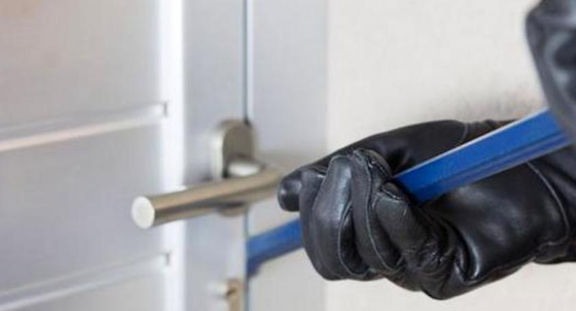 Komunikaty policji, Zabezpiecz mieszkanie przed włamaniem - zdjęcie, fotografia